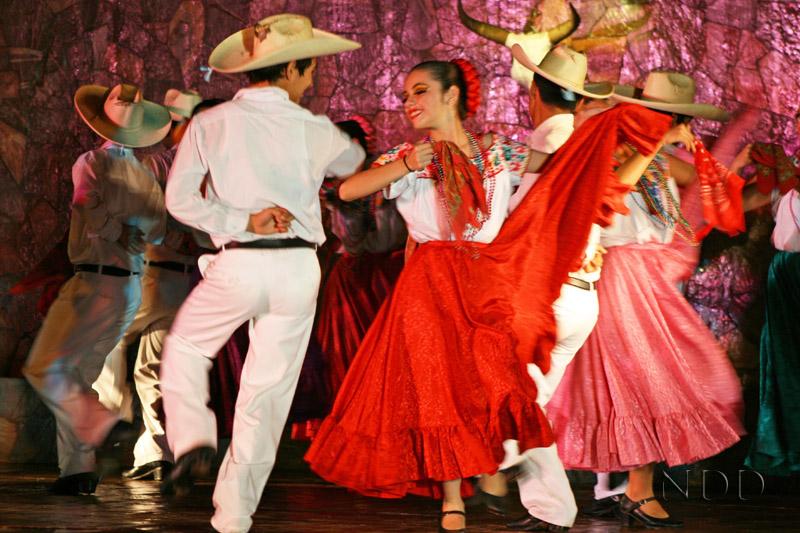 Ballet folklorico dancing in Nogales Mexico
